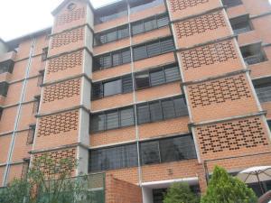 Apartamento En Venta En Caracas, Terrazas De Guaicoco, Venezuela, VE RAH: 15-16077
