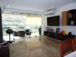Apartamento En Venta En Caracas - Lomas de La Alameda Código FLEX: 15-16092 No.11