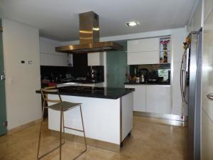 Apartamento En Venta En Caracas - Lomas de La Alameda Código FLEX: 15-16092 No.16