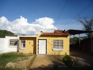 Casa En Venta En Barquisimeto, Parroquia Catedral, Venezuela, VE RAH: 15-16175