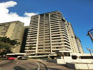 Apartamento En Venta En Caracas, Alto Prado, Venezuela, VE RAH: 15-16181