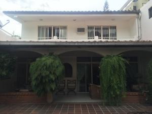 Casa En Ventaen Caracas, La Castellana, Venezuela, VE RAH: 15-16179