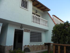 Casa En Venta En Caracas, La Trinidad, Venezuela, VE RAH: 15-16202