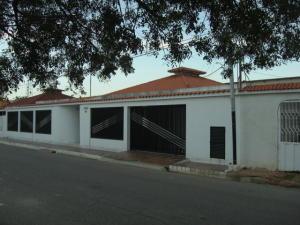 Casa En Venta En Cabimas, Campo Staff, Venezuela, VE RAH: 15-16242