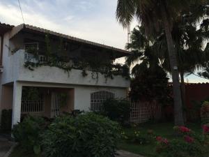 Casa En Venta En Calabozo, Mison De Los Angeles, Venezuela, VE RAH: 15-16324