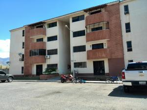 Apartamento En Venta En Municipio San Diego, Monteserino, Venezuela, VE RAH: 15-16285