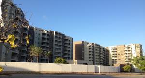 Apartamento En Venta En Margarita, Costa Azul, Venezuela, VE RAH: 15-16287