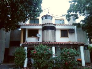 Apartamento En Venta En Valencia, El Rincon, Venezuela, VE RAH: 15-16318