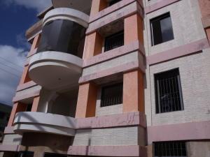 Apartamento En Venta En Ciudad Bolivar, Casco Central, Venezuela, VE RAH: 15-16340