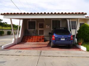 Casa En Venta En Cabudare, Parroquia José Gregorio, Venezuela, VE RAH: 15-16419