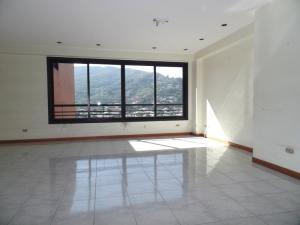 Apartamento En Venta En Caracas - Lomas de La Trinidad Código FLEX: 15-16427 No.2