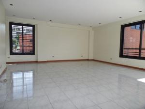 Apartamento En Venta En Caracas - Lomas de La Trinidad Código FLEX: 15-16427 No.4