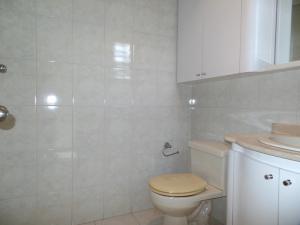 Apartamento En Venta En Caracas - Lomas de La Trinidad Código FLEX: 15-16427 No.6