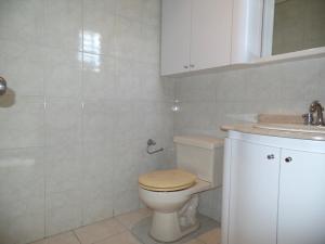 Apartamento En Venta En Caracas - Lomas de La Trinidad Código FLEX: 15-16427 No.8