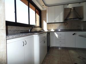 Apartamento En Venta En Caracas - Lomas de La Trinidad Código FLEX: 15-16427 No.9