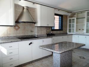 Apartamento En Venta En Caracas - Lomas de La Trinidad Código FLEX: 15-16427 No.10