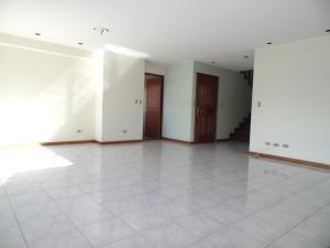 Apartamento En Venta En Caracas - Lomas de La Trinidad Código FLEX: 15-16427 No.5