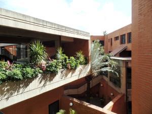 Apartamento En Venta En Caracas - Lomas de La Trinidad Código FLEX: 15-16427 No.1