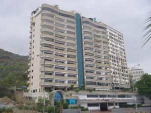 Apartamento En Venta En Parroquia Caraballeda, Camuri Chico, Venezuela, VE RAH: 16-4334