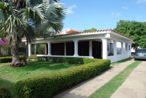 Casa En Ventaen Rio Chico, Las Mercedes De Paparo, Venezuela, VE RAH: 15-16453