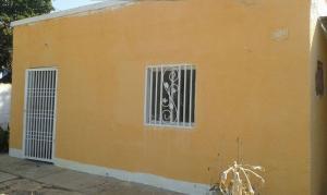 Casa En Venta En Municipio San Francisco, Kilometro 4, Venezuela, VE RAH: 15-16487
