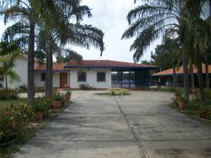 Terreno En Venta En Valencia, Sabana Del Medio, Venezuela, VE RAH: 15-16522