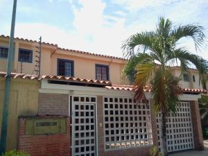 Casa En Venta En Guatire, Contry Villas, Venezuela, VE RAH: 15-16558