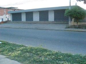 Local Comercial En Venta En Ciudad Ojeda, La 'l', Venezuela, VE RAH: 15-16565