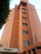 Apartamento En Venta En Maracaibo, 18 De Octubre, Venezuela, VE RAH: 15-16601