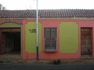 Local Comercial En Venta En Coro, Centro, Venezuela, VE RAH: 15-16640