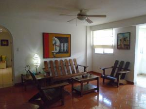 Apartamento En Venta En Caracas, San Luis, Venezuela, VE RAH: 15-16739