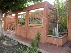 Casa En Venta En Maracaibo, Cantaclaro, Venezuela, VE RAH: 15-16704