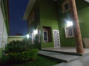 Casa En Venta En Punto Fijo, Guanadito, Venezuela, VE RAH: 16-39