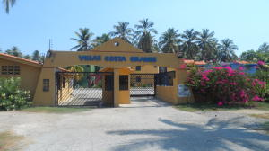 Apartamento En Venta En Boca De Aroa, Boca De Aroa, Venezuela, VE RAH: 16-59