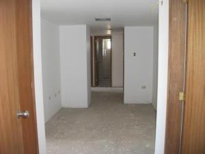 Apartamento En Venta En Maracaibo, El Milagro, Venezuela, VE RAH: 16-93