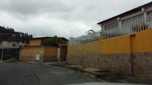 Casa En Venta En Caracas, Santa Paula, Venezuela, VE RAH: 16-131