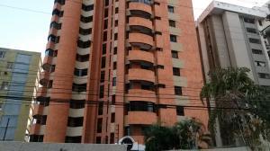 Apartamento En Venta En Maracaibo, Avenida Bella Vista, Venezuela, VE RAH: 16-191