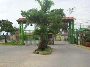 Casa En Venta En Turmero, Parque Residencial Araguaney Ii, Venezuela, VE RAH: 16-199
