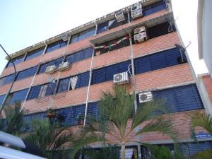 Apartamento En Venta En Guarenas, Ciudad Casarapa, Venezuela, VE RAH: 16-204