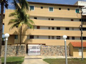 Apartamento En Venta En Boca De Aroa, Boca De Aroa, Venezuela, VE RAH: 16-270