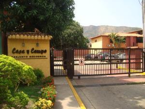 Apartamento En Venta En Maracay, El Limon, Venezuela, VE RAH: 16-310