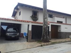 Casa En Venta En Caracas, Los Naranjos Del Cafetal, Venezuela, VE RAH: 16-338