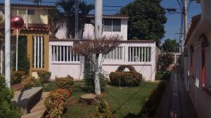 Casa En Venta En Maracaibo, Monte Claro, Venezuela, VE RAH: 16-386