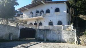 Casa En Venta En El Junquito-Vargas, El Junko Country Club, Venezuela, VE RAH: 16-722