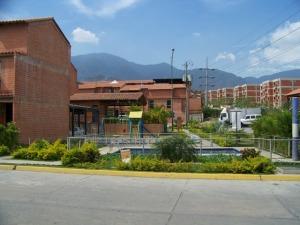 Casa En Venta En Guatire, El Encantado, Venezuela, VE RAH: 16-484
