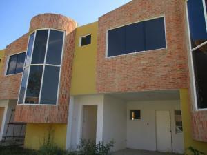 Townhouse En Venta En Municipio San Diego, Sabana Del Medio, Venezuela, VE RAH: 16-491