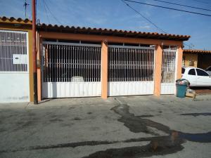 Casa En Venta En Cabudare, Parroquia José Gregorio, Venezuela, VE RAH: 16-544