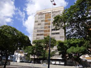 Oficina En Venta En Caracas, Los Caobos, Venezuela, VE RAH: 16-1027