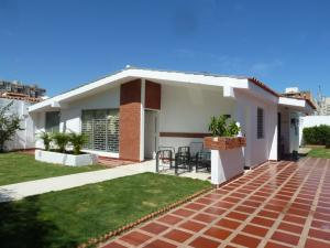Casa En Venta En Maracaibo, El Pilar, Venezuela, VE RAH: 16-552