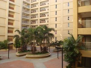 Apartamento En Venta En Maracaibo, El Milagro, Venezuela, VE RAH: 16-571